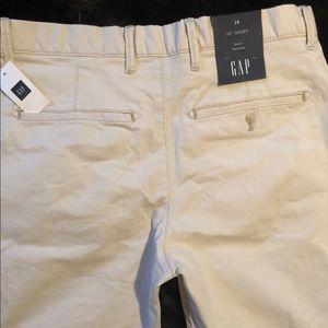 New GAP Bermuda Shorts Khaki size 29